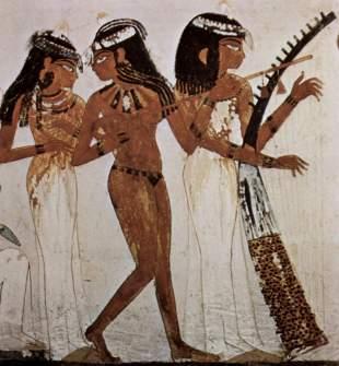 Dettaglio con tre musiciste dalle pitture parietali della tomba di Nakht (TT52), Tebe Ovest, 1400-1350 a.C. circa